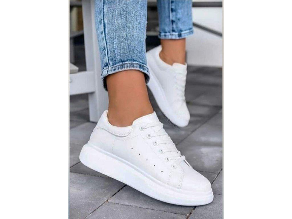 stylové tenisky bílé