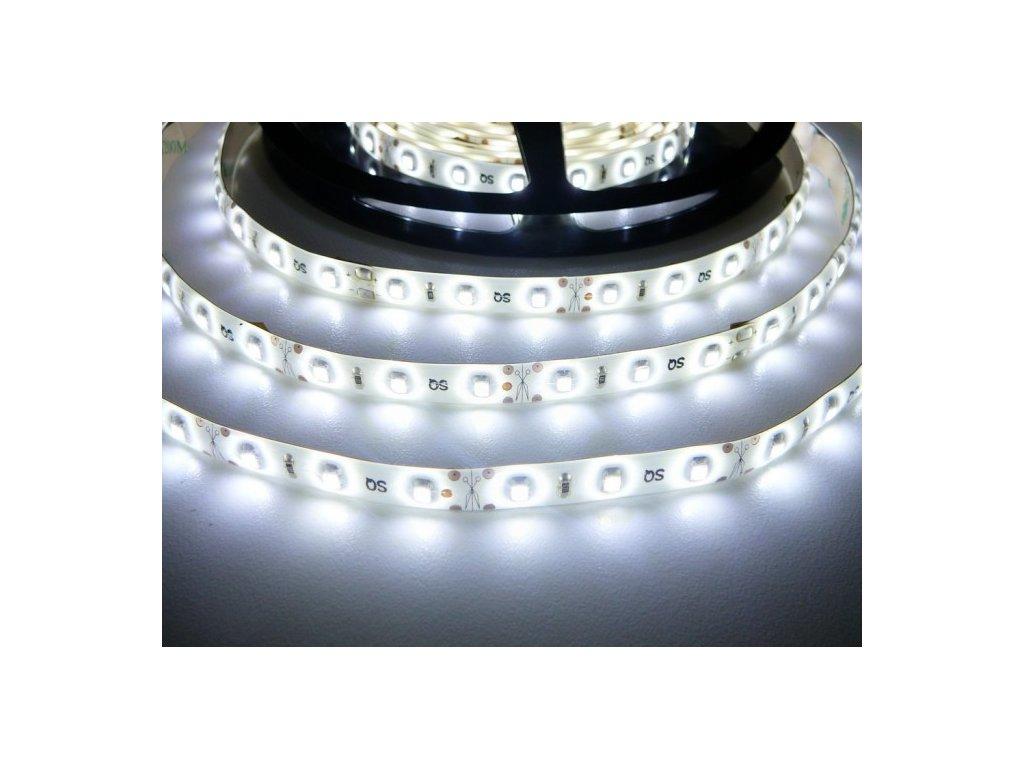 LED pásek 12V 4,8W dlouhá životnost vysoká kvalita a svítivost bez úbytků svítivosti 6000K studená bílá TopLux Osvětlení Praha skladem na prodejně