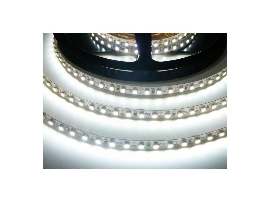 LED pásek 12V 9,6W dlouhá životnost vysoká kvalita a svítivost bez úbytků svítivosti 6000K studená bílá TopLux Osvětlení Praha skladem na prodejně