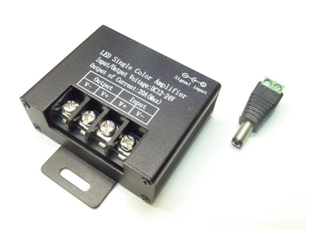 Jednokanálový zesilovač signálu AMP7 Zesilovač signálu 1kanál, 12-24VDC, 20A Rozměry: 64 × 52 × 23mm Max. zatížení: 12V - 240W / 24V - 480W Zesilovač signálu jednokanálový LED pásků a modulů. Slouží k rozšíření výkonů LED ovladačů nad jejich přípustné zatížení. Vstup signálu je do tohoto zesilovače přes DC konektor (je součástí balení). TopLux Osvětlení Praha, Libeň