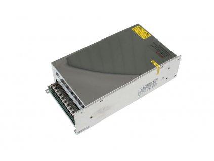 LED trafo 24V 25A (600W) - napájecí zdroj vnitřní IP20. Kovové stříbrné provedení s děrováním pro cirkulaci vzduchu. TopLux Osvětlení Praha skladem na prodejně nízké ceny