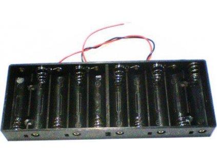 Napájecí zdroj na baterie (držák baterií) pro 12V LED pásky. Pokud potřebujete zapojit LED pásky nebo LED moduly tam, kde neni možnost připojit klasický zdroj do sítě, je tento bezdrátový přenosný napaječ na baterky přesně to, co hledáte. Součástí balení je připojovací kabel o délce 12cm. Do držáku se vejde 10ks klasických tužkových baterií. Výdrž napájení dle typu baterek.  Držák baterií 10xR6/AA/UM3 (tužkový monočlánek) pro LED pásky 12V, včetně připojovacího kabelu 12cm