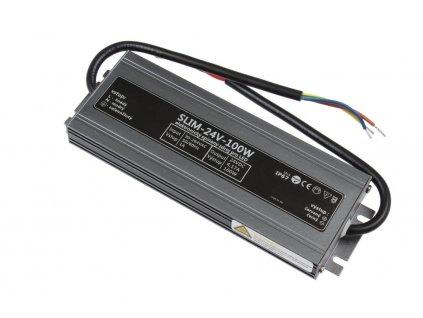 LED trafo TLPS-24-100 zalité 24V 4,17A (100W) - napájecí zdroj venkovní IP67 vodotěsné provedení. Kvalitní kovové provedení zatěsněné proti vlhsti a prachu. Tento typ zdrojů je opatřen pojistkou proti přetížení, tepelnou pojistkou a pojistkou proti zkratu (opět plně funkční po odstranění zkratu).  Doporučujeme dodržet minimální rezervu 20% (zatížit na max. 80%), tzn. zatížit max. 80W.
