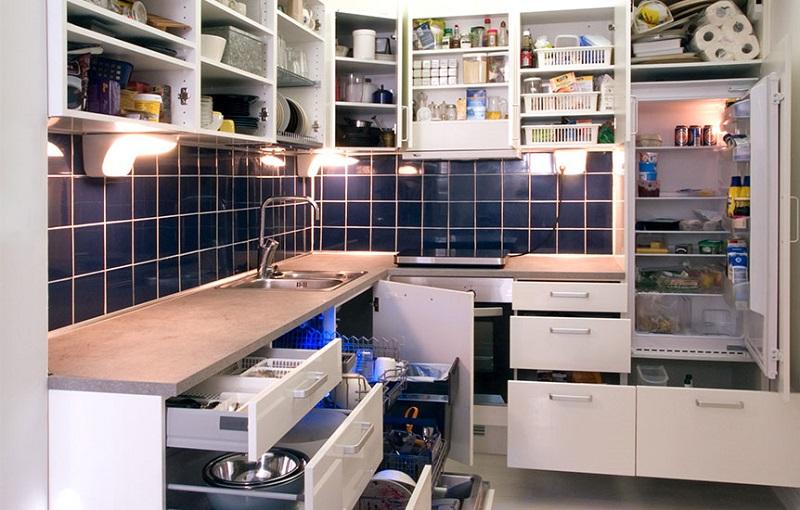 Praktická kuchyně - co dokáže nabídnout a jak usnadní úklid?
