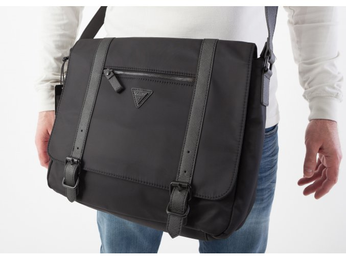Čierna taška Guess