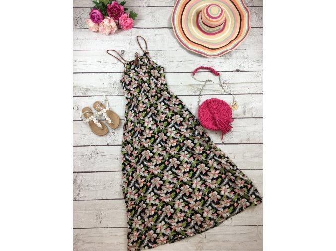 Dlouhé letní šaty s květy