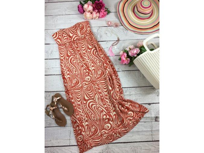 Dlouhé oranžovo-bílé šaty