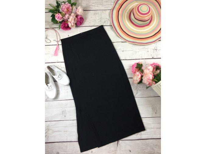 Dlouhá černá sukně s rozparkem