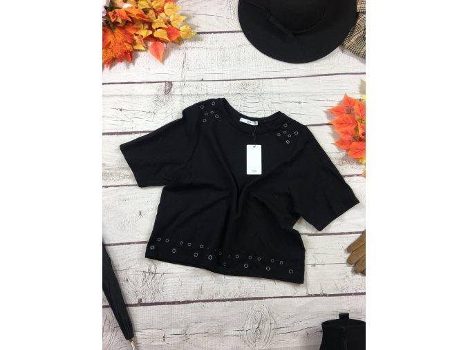 Černé tričko se cvočky NOVÉ