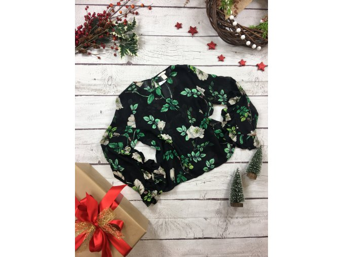 Černá halenka se zelenými květy H&M