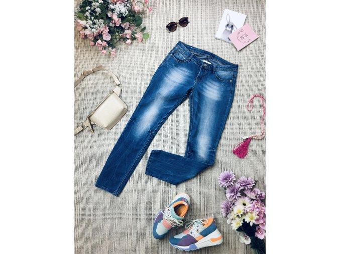Světlé džíny se zdobením