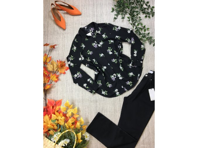 Černá halenka s květy New Look