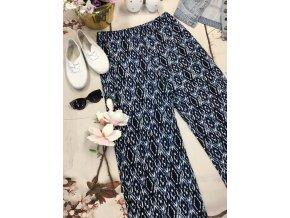 Modré letní kalhoty se vzorem