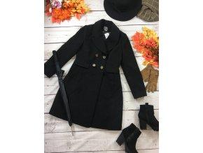 Černý zimní kabát s knoflíky