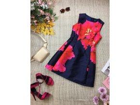 Krásné vypasované šaty