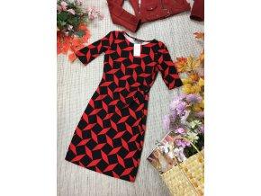 Černo-červené šaty