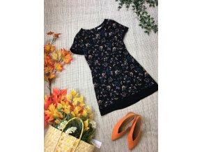 Černé šaty s barevným motivem George