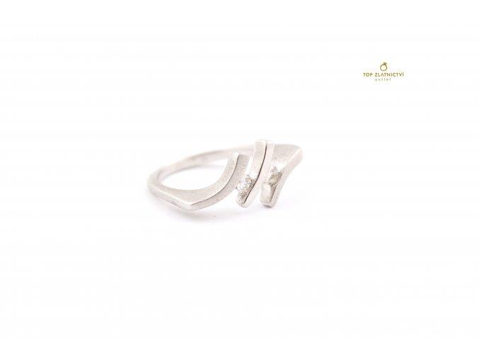 Zlatý prsten s diamanty 3.94g