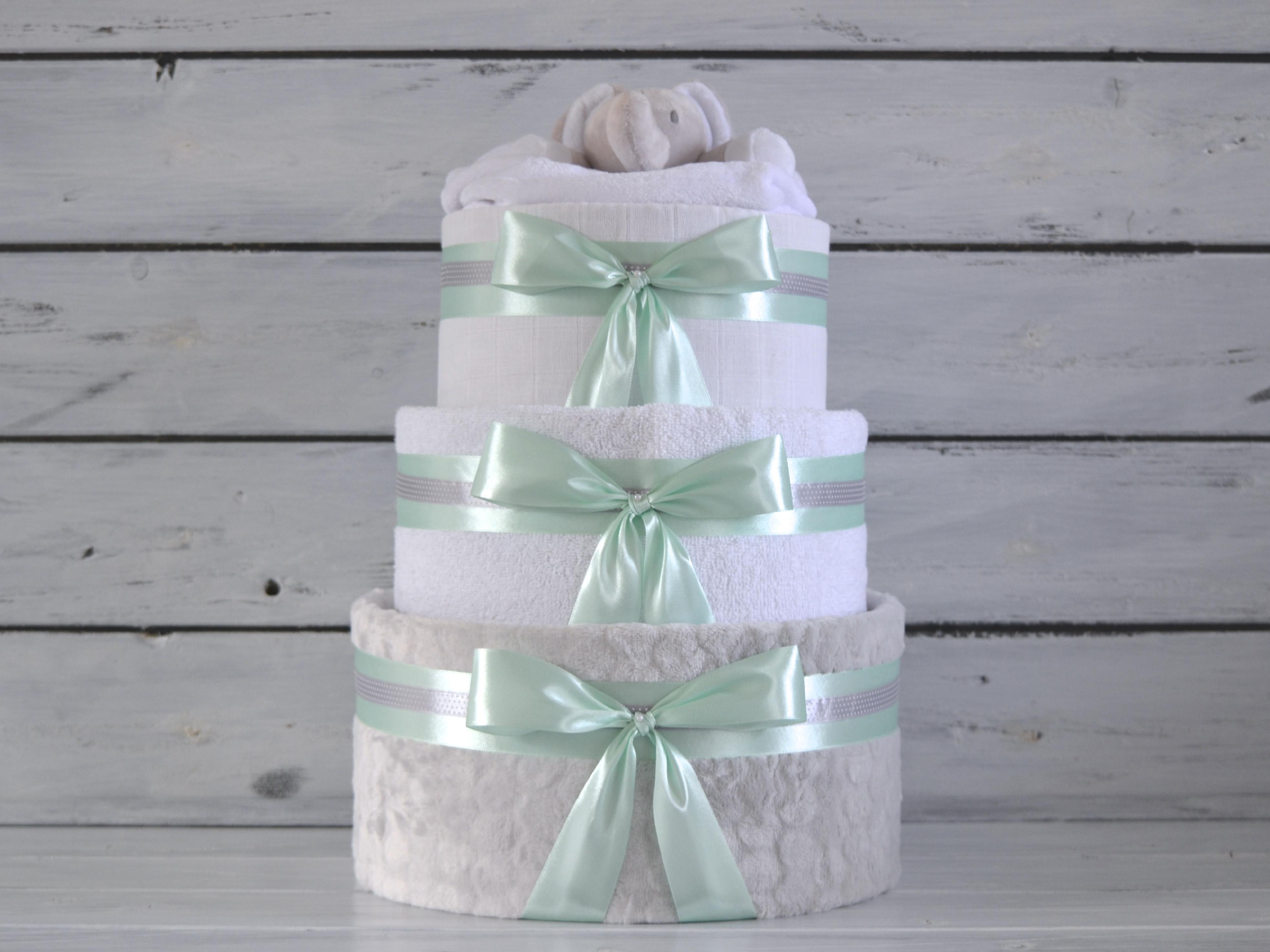 Trojposchodové plienkové torty