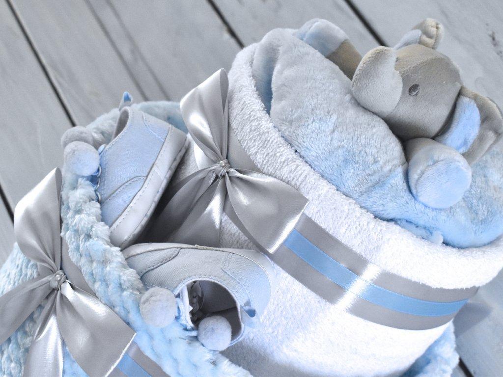 Dvojposchodová plienková torta V. zdobená sloníkom a topánočkami modra deka