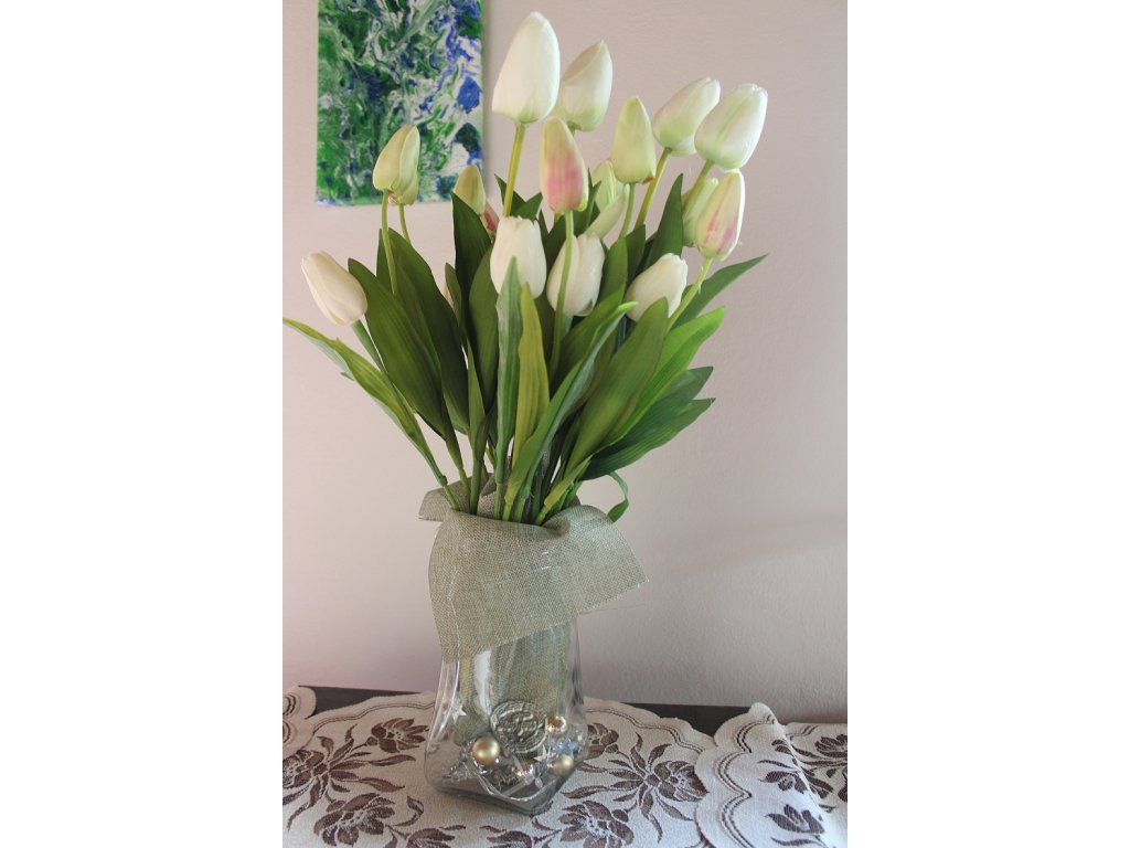 biele tulipány recyvec garážový výpredaj