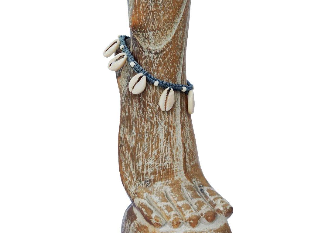 Kotníkový náramek s mušličkami šedý