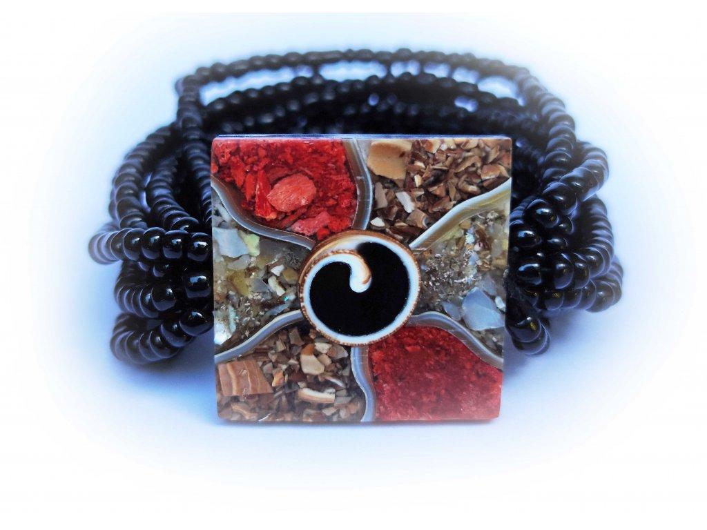 Náramek čtverec s mušličkou a barevnými perleťovými vzory