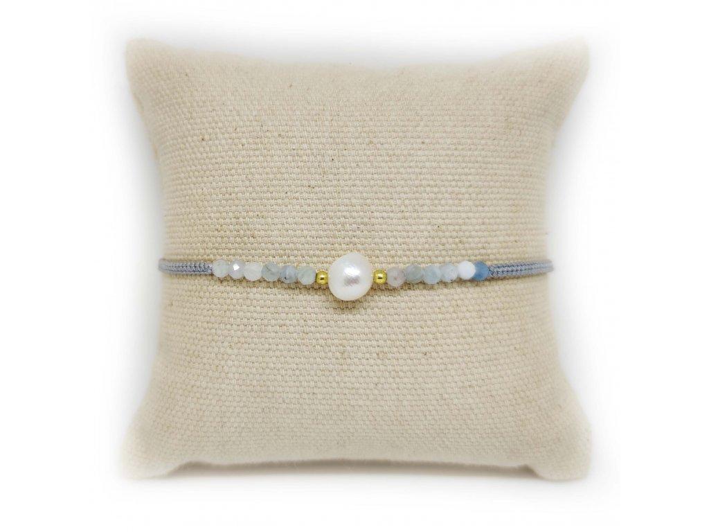 Náramek s perličkou a acháty šedý