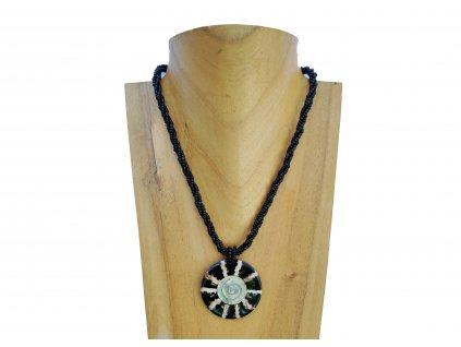 Náhrdelník mušle s černo perleťovým lemováním