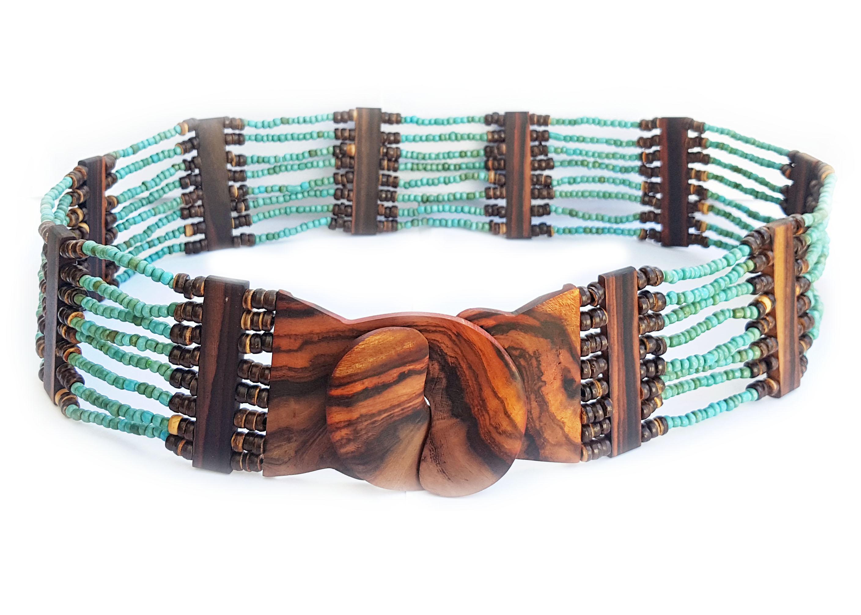 Levně Korálkový pásek s ebenovou přezkou tyrkys