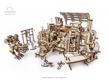 Ugears Robot Factory DSC0139 hi res