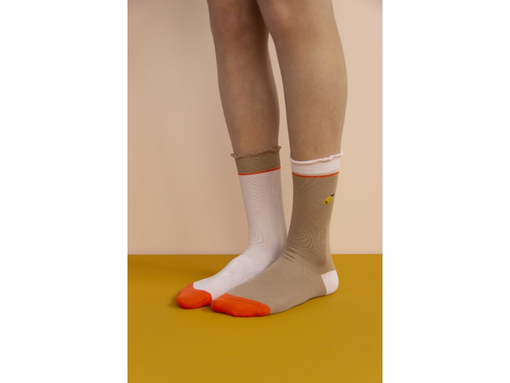 1801496 1801497 1801498 1801499 1801500 1801501 Sticky Lemon kneehigh socks special editio(1)
