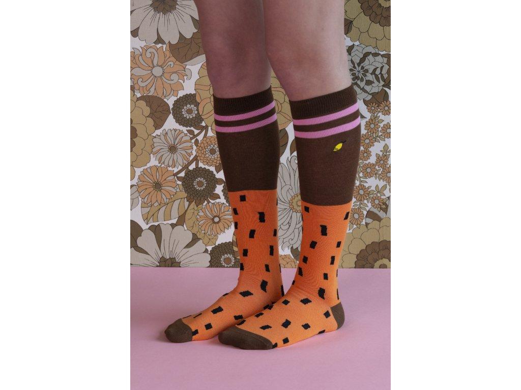 18070 Kneehigh socks sprinkles carrot orange + syrup brown