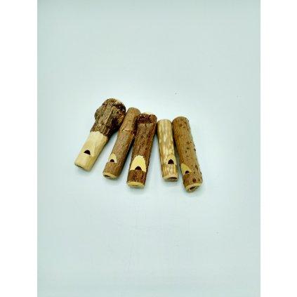 Píšťalka z bezového dřeva
