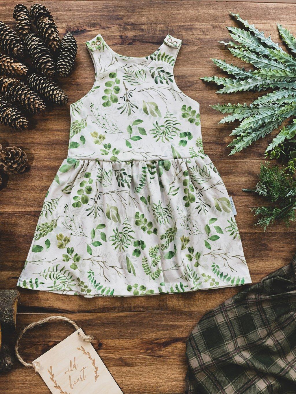 Organické dětské šaty na traky Kapradí