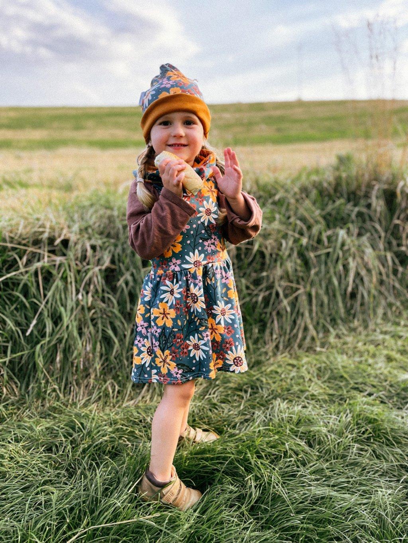 Organické dětské šaty na traky Podzimní kvítí