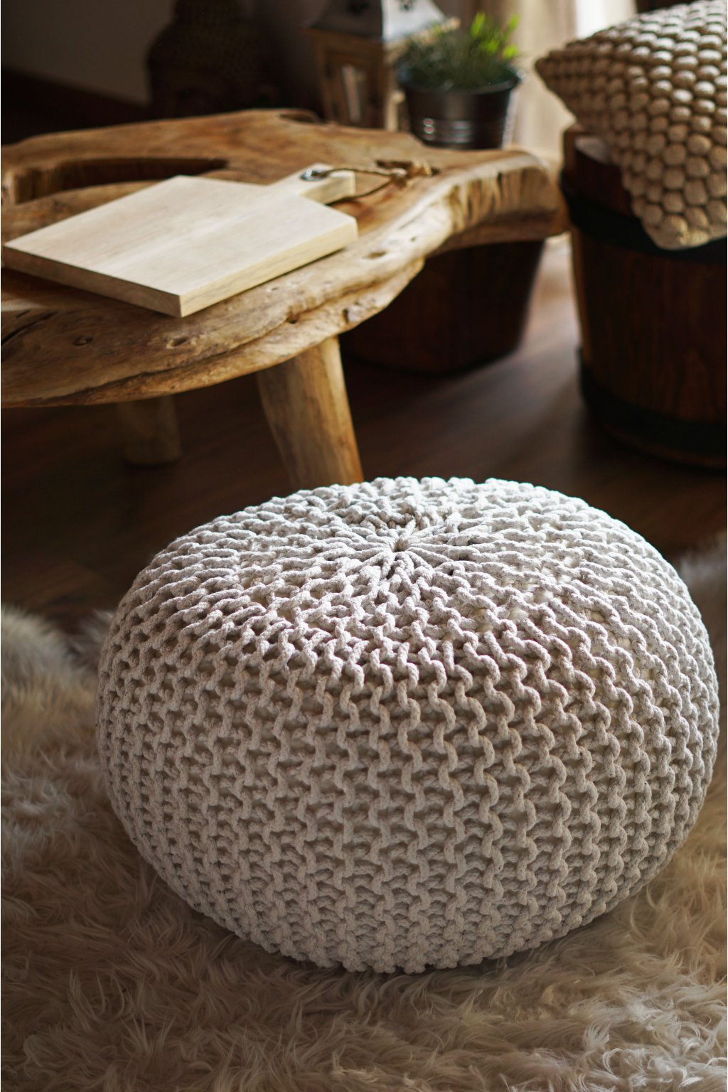 Velký pletený taburet slonovinový