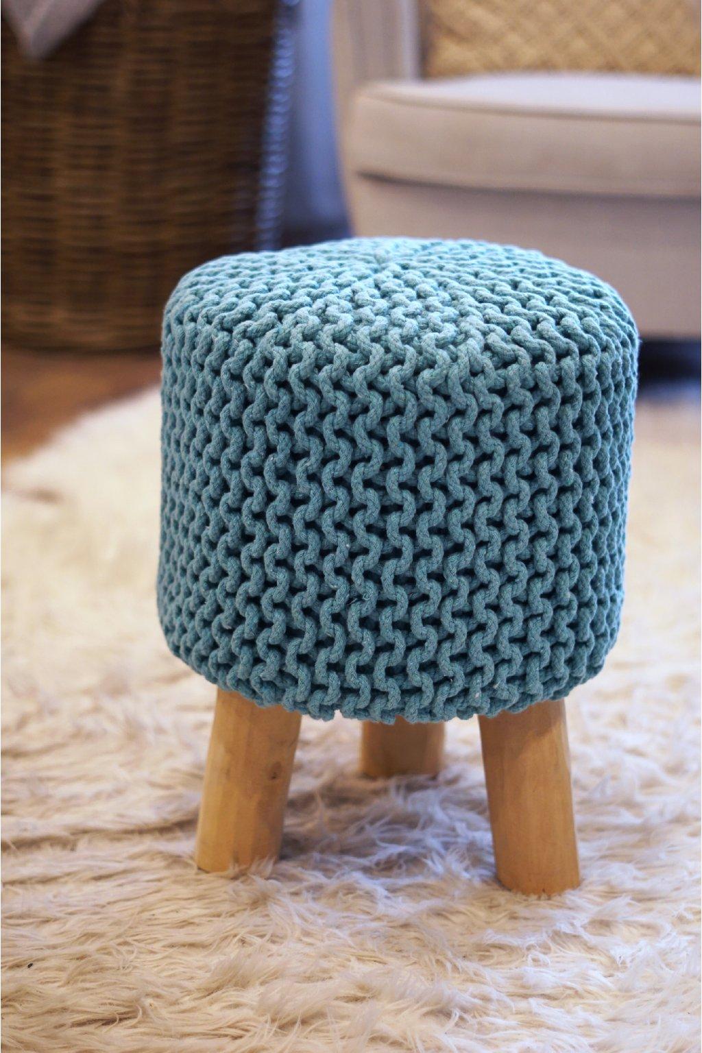 Masivní háčkovaná stolička Mint