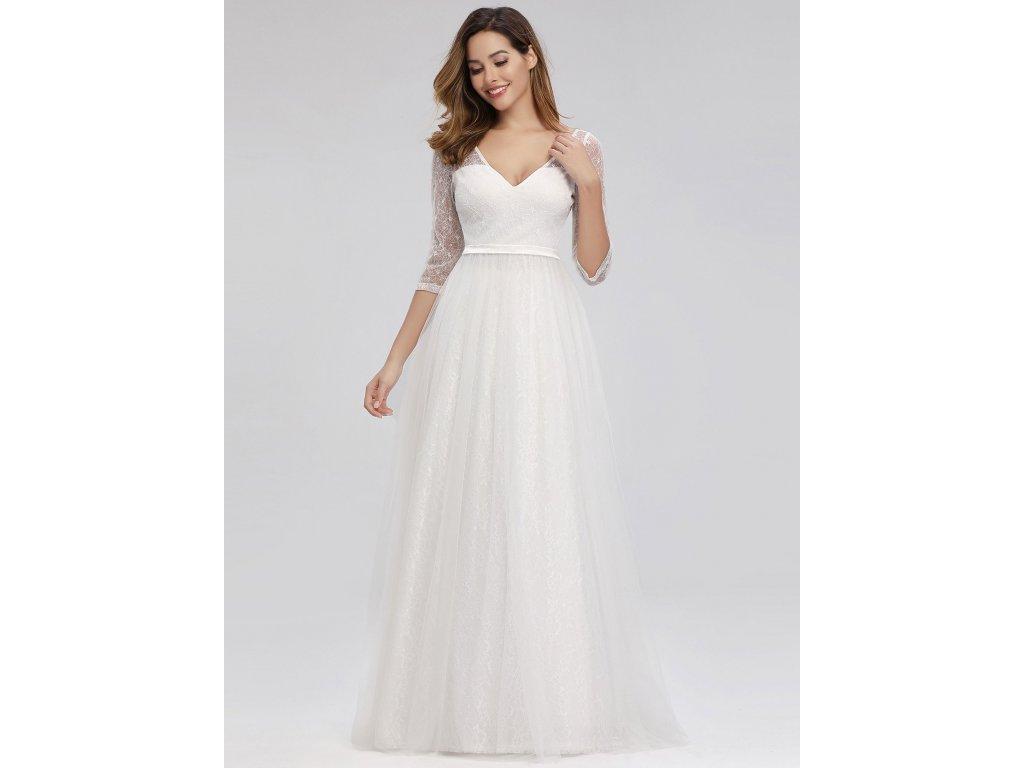 Bílé svatební šaty s dlouhým rukávem