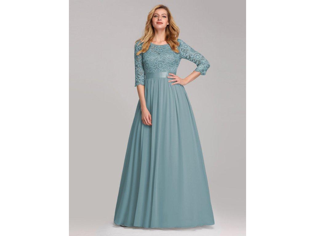 Dlouhé pastelové modré šaty s krajkou a rukávem