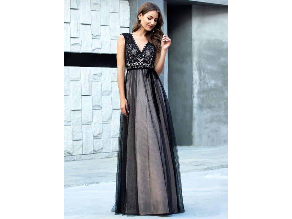Dlouhé černé šaty s krajkou a tylem