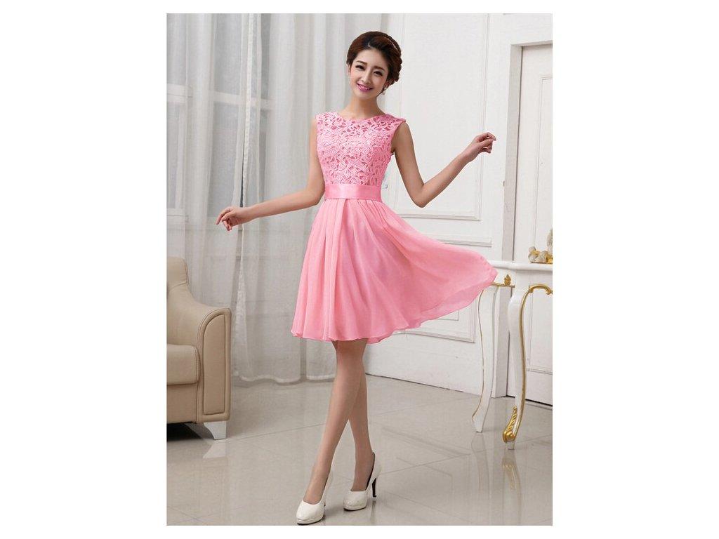 A Plesové šaty krátké s krajkou růžové MO736 - trendy-obleceni.cz 5c6b68bc190