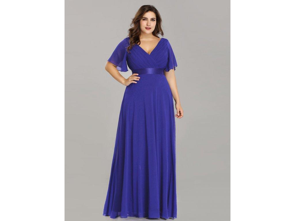 Safírové modré šaty s velkým výstřihem