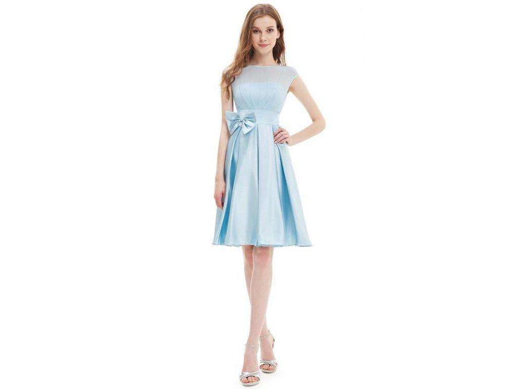 Romantické šaty krátké do tanečních cf78f47af49