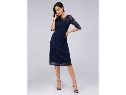 Krátké krajkové šaty modré barvy s delším rukávem