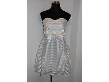 A Krátké bílé šaty s mašlí 0522