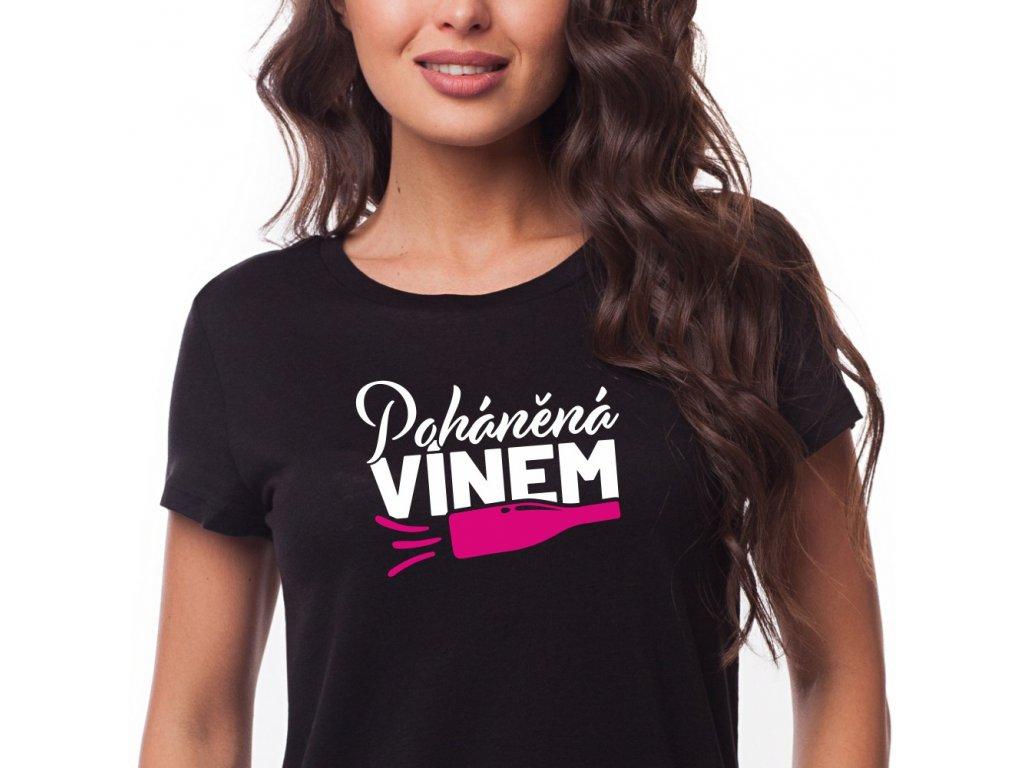 Dámské vtipmné tričko pro vinařku Poháněná Vínem černé