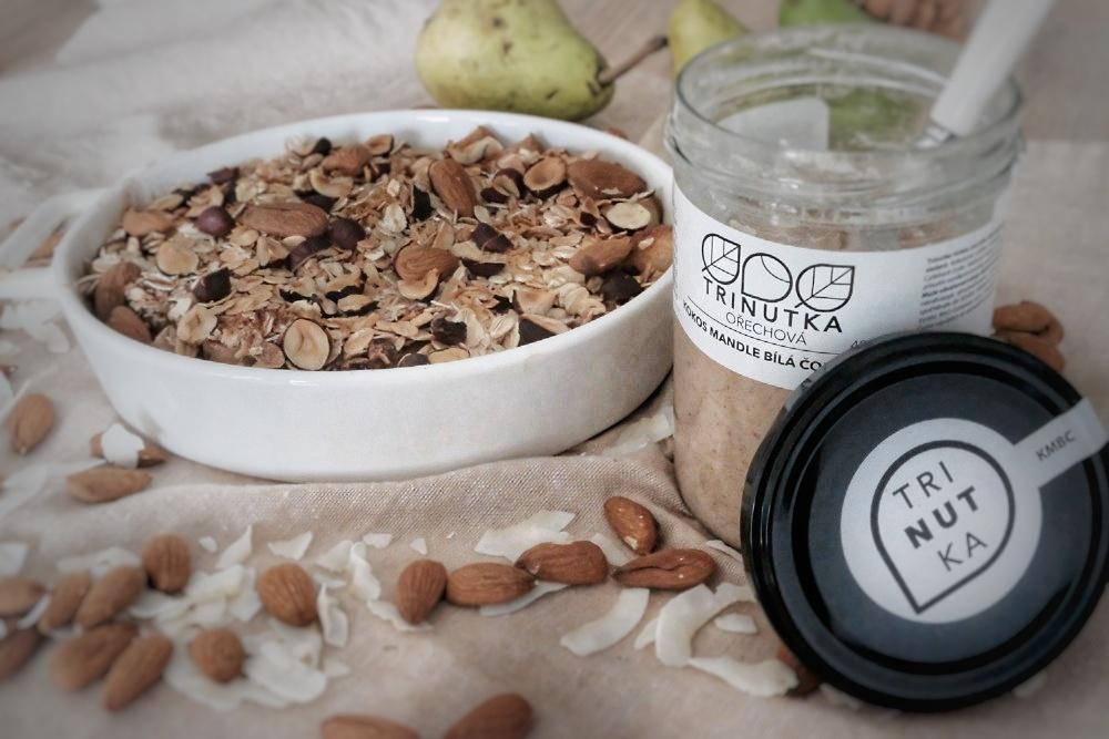 Hrušky zapečené s kokosem s Trinutkou kokos mandle bílá čokoláda