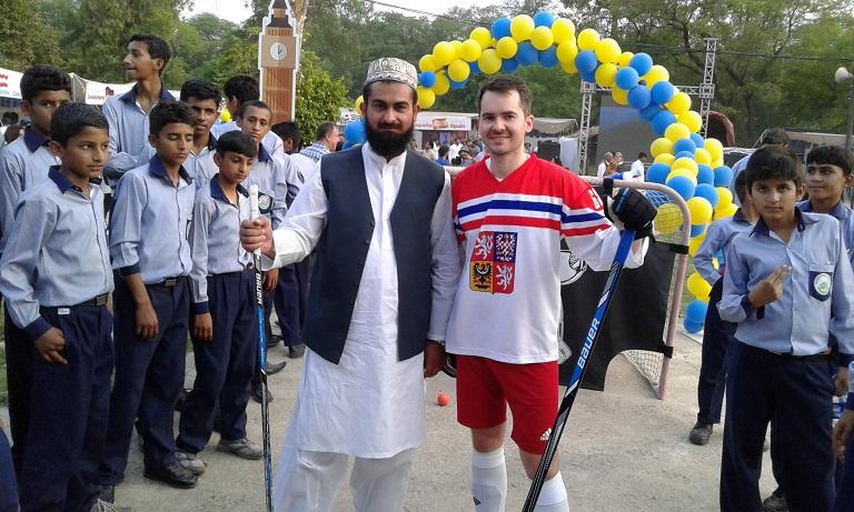 Naše dresy v Islámábádu
