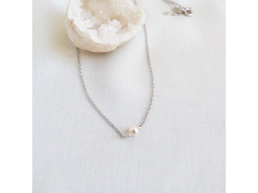 Stříbrný řetízek choker s perlou říční